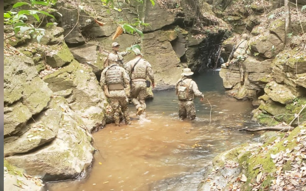 Polícia procura dentro de rios e em mata suspeito de matar família em Ceilândia — Foto: Polícia Militar/Divulgação