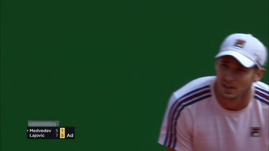 Sérvio faz 10 games seguidos e protagoniza virada incrível para ir à final em Monte Carlo