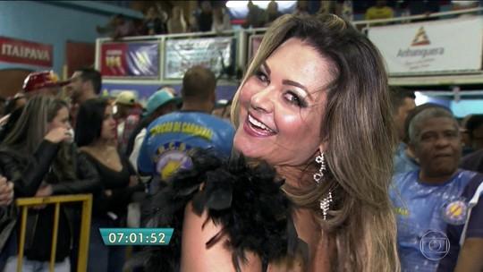 Tucuruvi e Peruche escolhem sambas para o desfile de carnaval de 2017