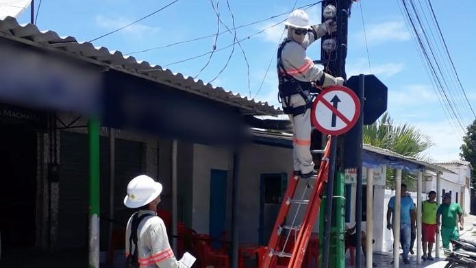 Resultado de imagem para Aneel suspende cortes no fornecimento de energia elétrica motivados por falta de pagamento