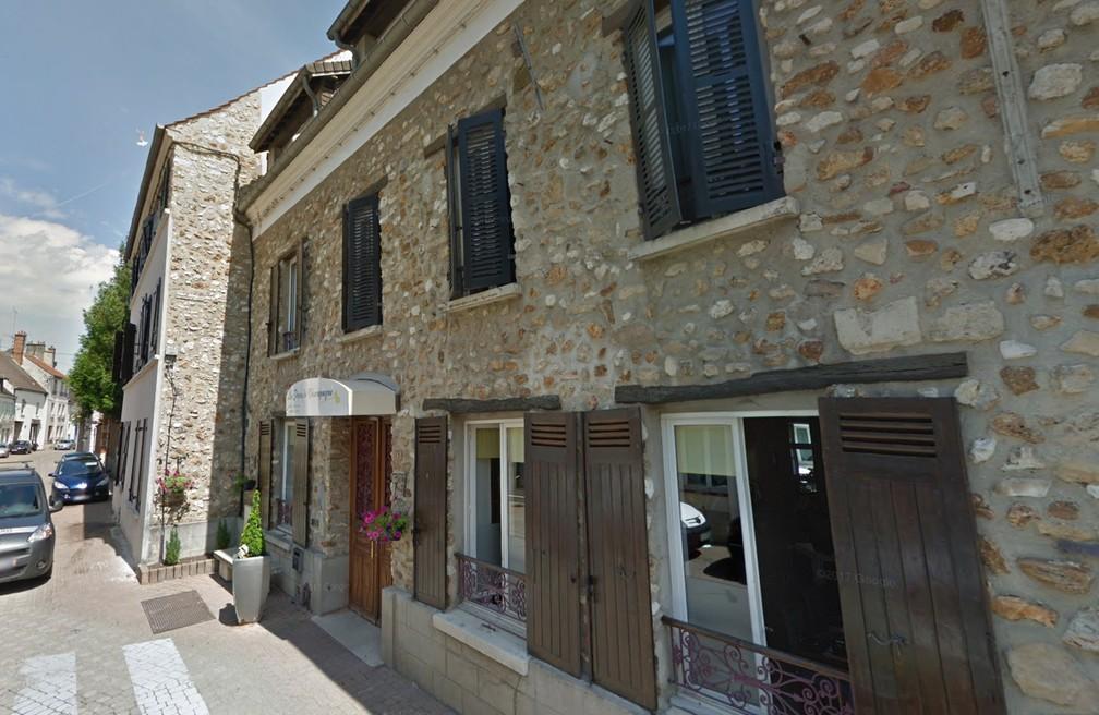 Casa de repouso onde ocorreu a morte de uma idosa, possivelmente cometida por outra hóspede do local, em Chézy-sur-Marne, na França — Foto: Reprodução/Google Street View