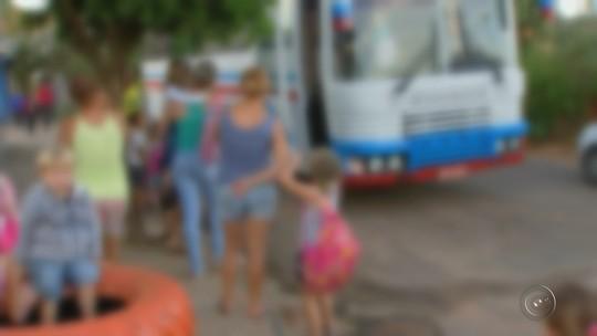 Prefeitura freta ônibus após servidor ironizar superlotação de crianças: 'Vai reclamar do quê? É de graça'