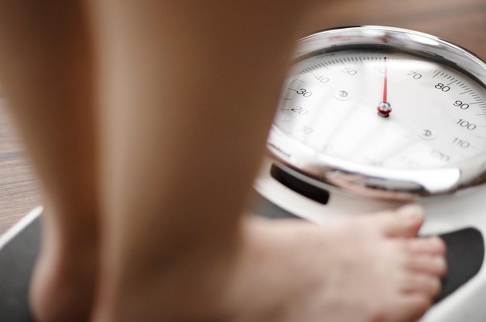 Equilíbrio é a chave para não se aborrecer com a balança  — Foto: Getty Images
