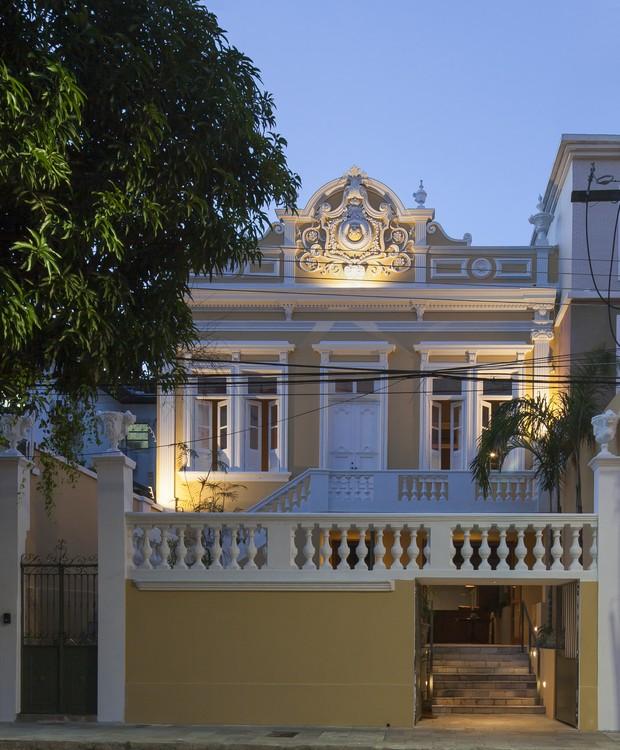 A fachada do Hotel Villa Amazônia valoriza a arquitetura local da época áurea do ciclo da borracha (Foto: Maíra Acayaba/Divulgação)