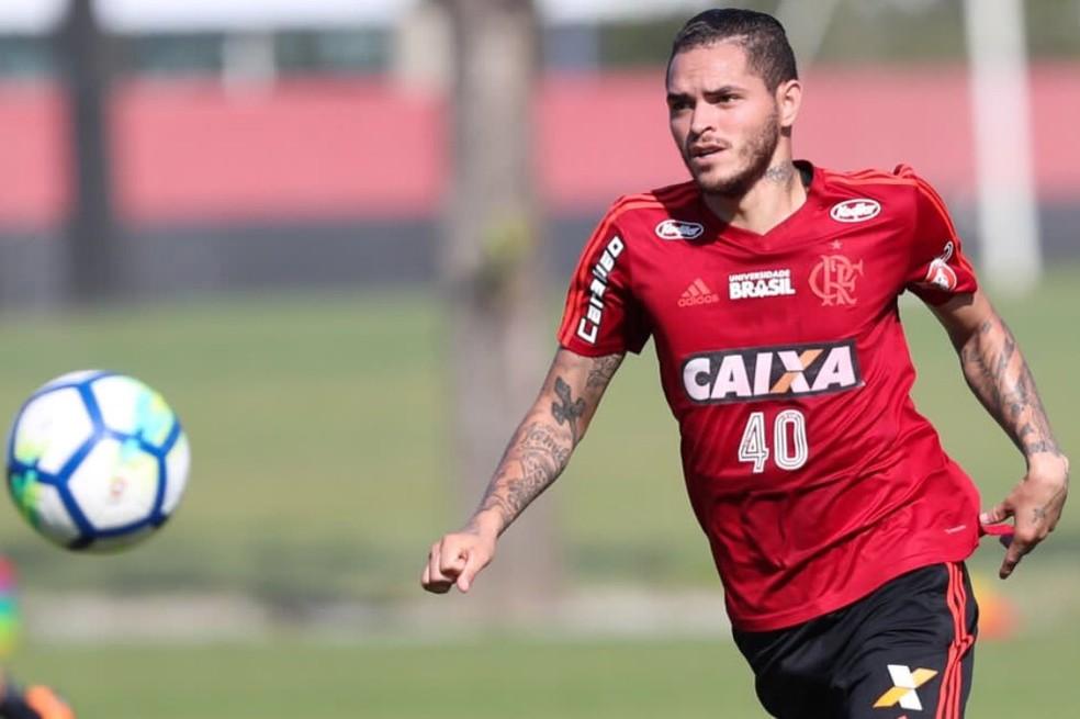 Jogador no início do ano nos treinamentos com o Flamengo — Foto: Gilvan de Souza / Flamengo