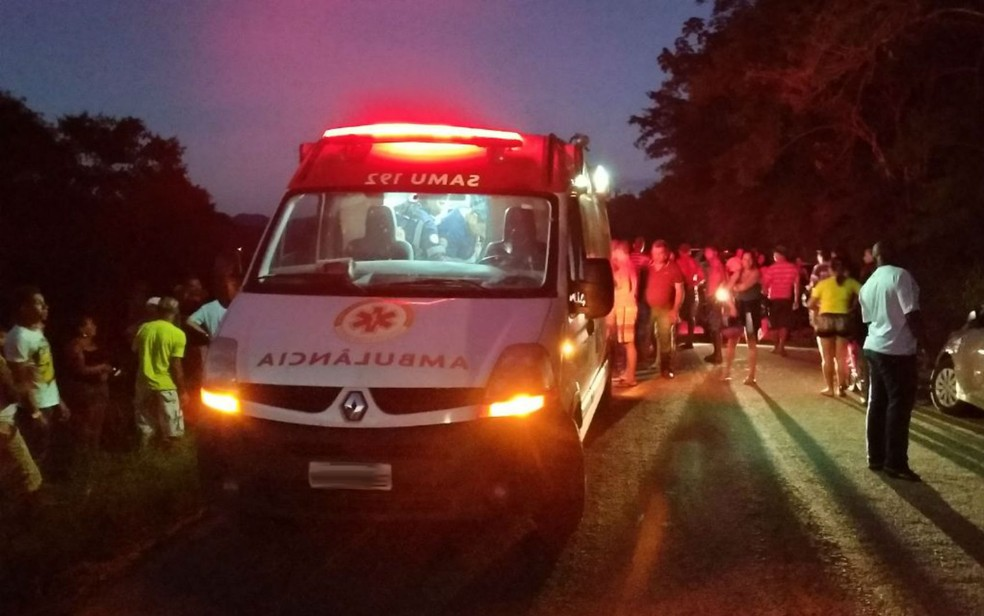 Ex-prefeito de Ibirataia foi socorrido com por ambulâncias do Samu (Foto: Reprodução/ Giro Ipiaú)