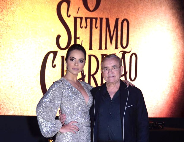 Monique Elias e Itamar Serpa Fernandes  (Foto: Selmy Yassuda / Ed. Globo)