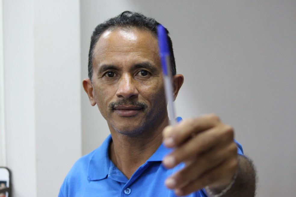 Cantor de 'Caneta, Azul' sofre com perfis impostores em redes sociais: 'Se passam por mim' | Sorocaba e Jundiaí | G1