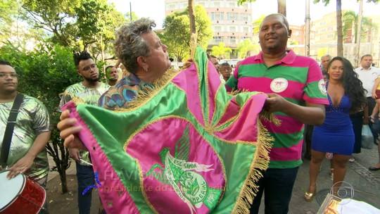 Baú do Milton Cunha traz sapato de mestre-sala histórico da Portela, entre outros itens