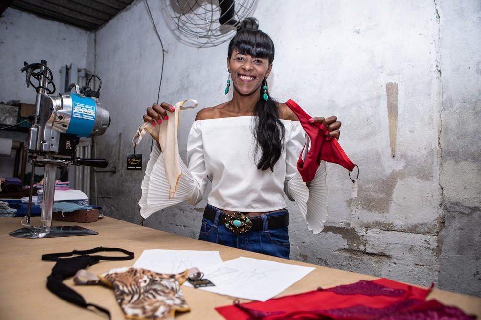 Silvana da Silva desenvolveu marca de calcinhas para mulheres transexuais — Foto: Fábio Tito/G1