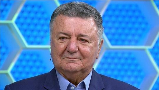 Pode isso? Arnaldo se emociona em despedida na vitória do Brasil sobre Camarões