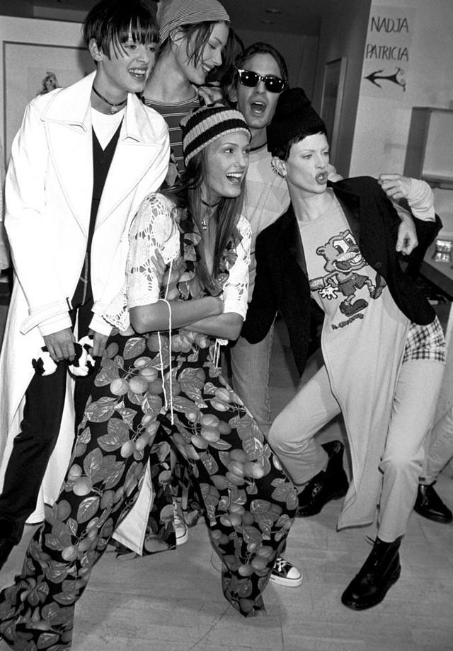 A coleção grunge de Marc Jacobs para a Perry Ellis, desfilada em 1992 (Foto: WWD)