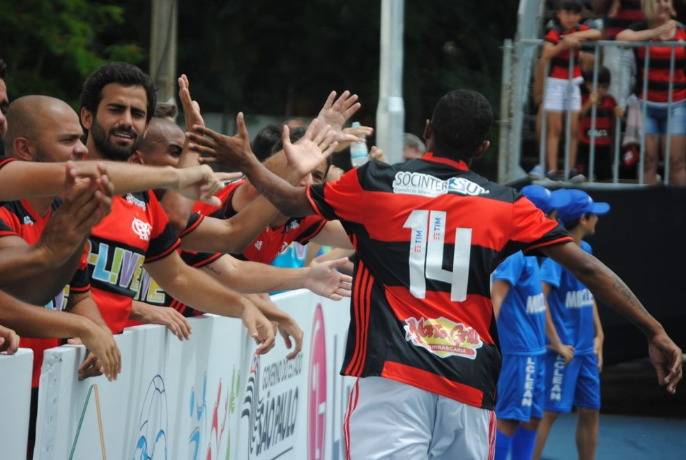 Flamengo venceu o Corinthians em jogo equilibrado (Foto: Tércio Nurnberg / CF7B)