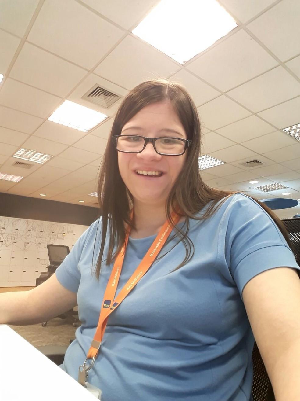 Francine trabalha em um banco em São Paulo. (Foto: Arquivo pessoal)