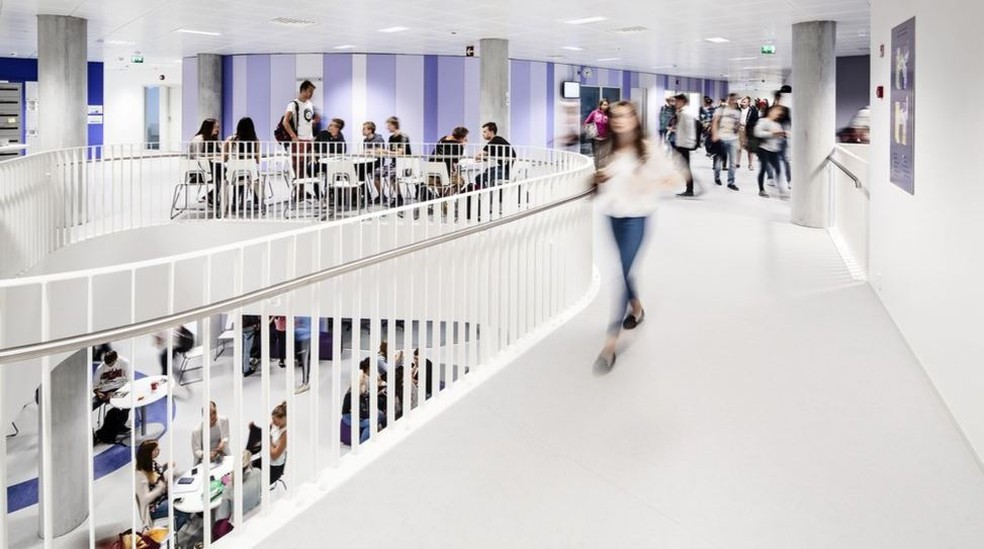 Distinção entre salas de aula e corredores deixam de existir  (Foto: Kuvatoimisto Kuvio Oy)