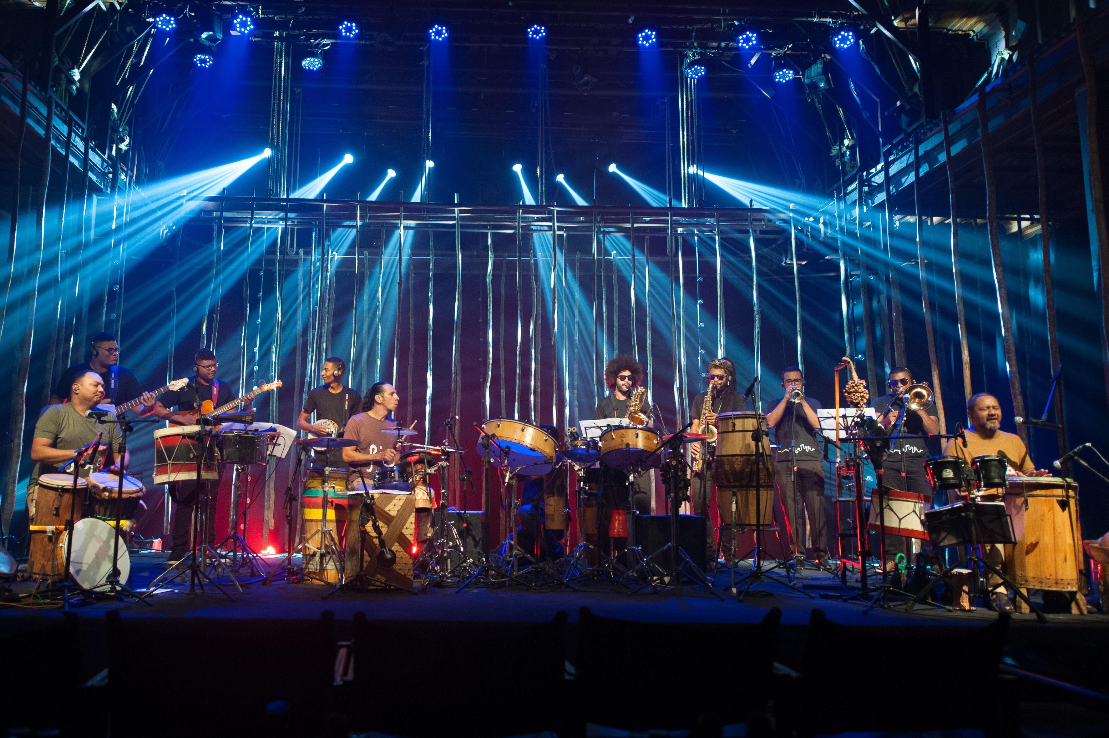 Trio Manari lança DVD em show neste sábado - Notícias - Plantão Diário