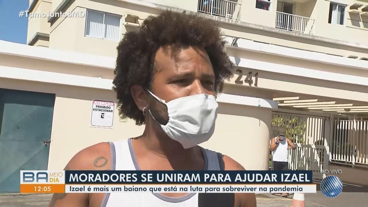 'Tive que vender violão para fazer as sopas', conta ambulante que sofreu ameaça de homem em condomínio de Salvador