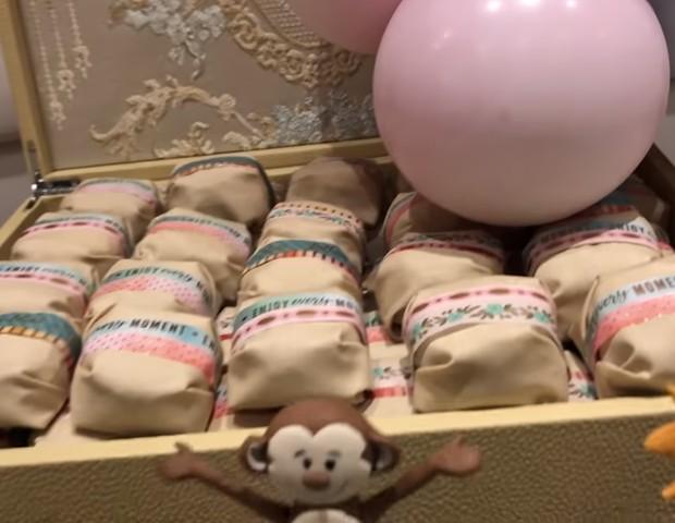 Bem-nascidos para lembrancinha dos convidados (Foto: Reprodução Youtube)
