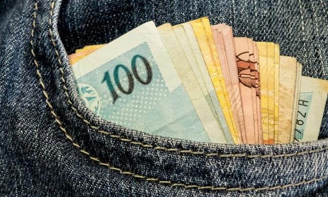 Dinheiro dos outros (Foto: Arquivo Google)