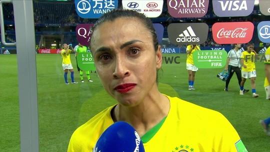 Marta dá recado a jogadoras: 'Chore no início para sorrir no fim'