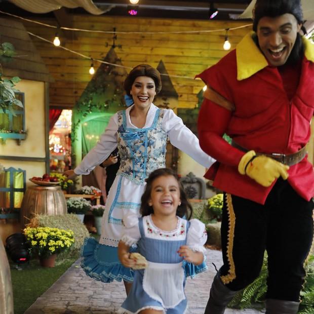 Maria Flor, filha de Debora Secco e Hugo Moura faz aniversário (Foto: Divulgação / Felipe Panfili)