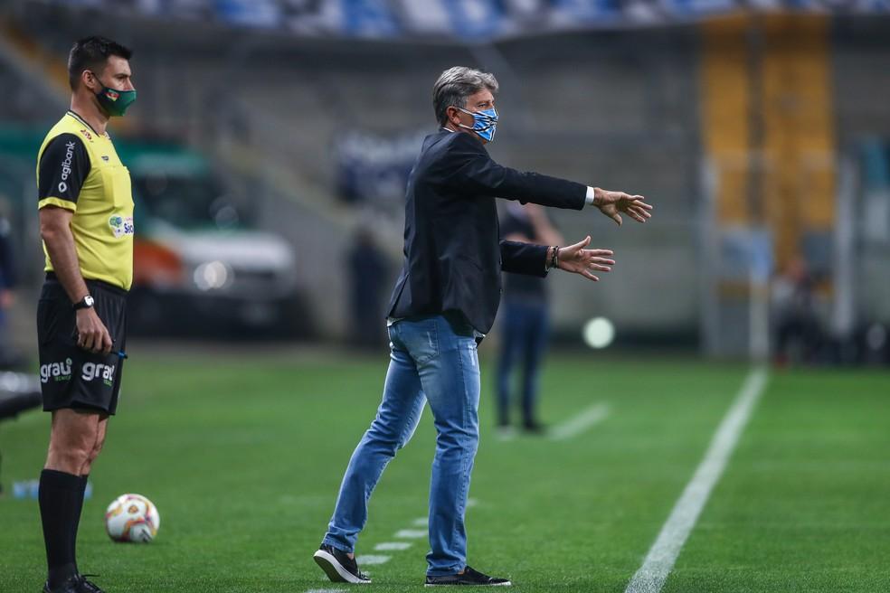 Renato Gaúcho em vitória no Gre-Nal na Arena — Foto: Lucas Uebel/Grêmio