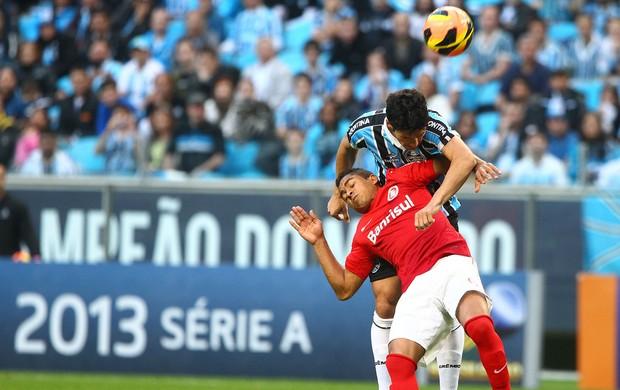 Gre-Nal com Jorge Henrique e Riveros (Foto: Lucas Uebel/Divulgação, Grêmio)