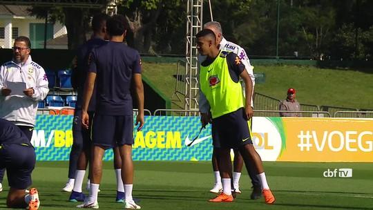 Seleção faz último treino na Granja e recebe visita de Carlos Alberto Parreira