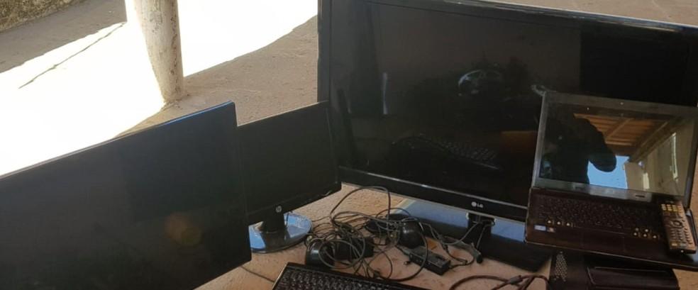 Entre os objetos, eletrônicos foram recuperados — Foto: Polícia Civil/Divulgação