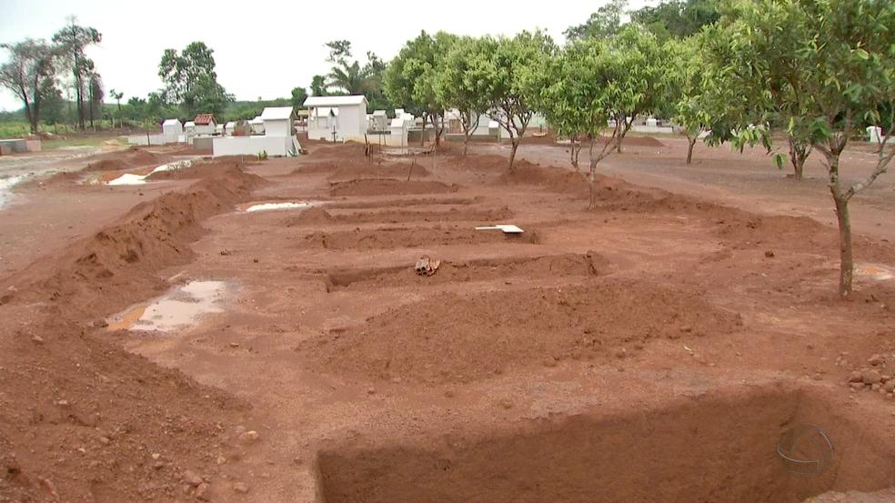 Nove trabalhadores foram assassinados em abril deste ano em Colniza; local onde os corpos foram enterrados em Colniza (Foto: Reprodução/TVCA)