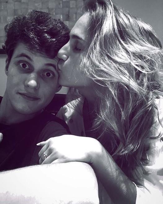 Carol Garcia e o namorado, Eduardo Speroni (Foto: Reprodução / Instagram)