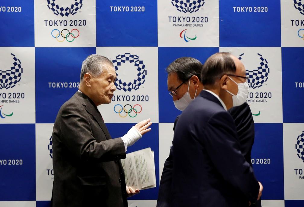 Primeira reunião do Comitê Organizador de Tóquio e o COI, após o cancelamento das Olimpíadas — Foto: Issei Kato/Reuters
