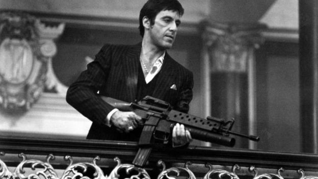 O personagem de Al Pacino em Scarface (1983) era dono de tigre (Foto: Getty Images via BBC News Brasil)