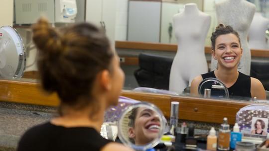 Bruna Linzmeyer ensina passo a passo da maquiagem de Cibele