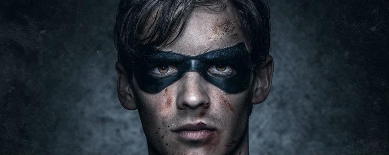 Robin, o líder dos jovens heróis em Titãs (Foto: divulgação)