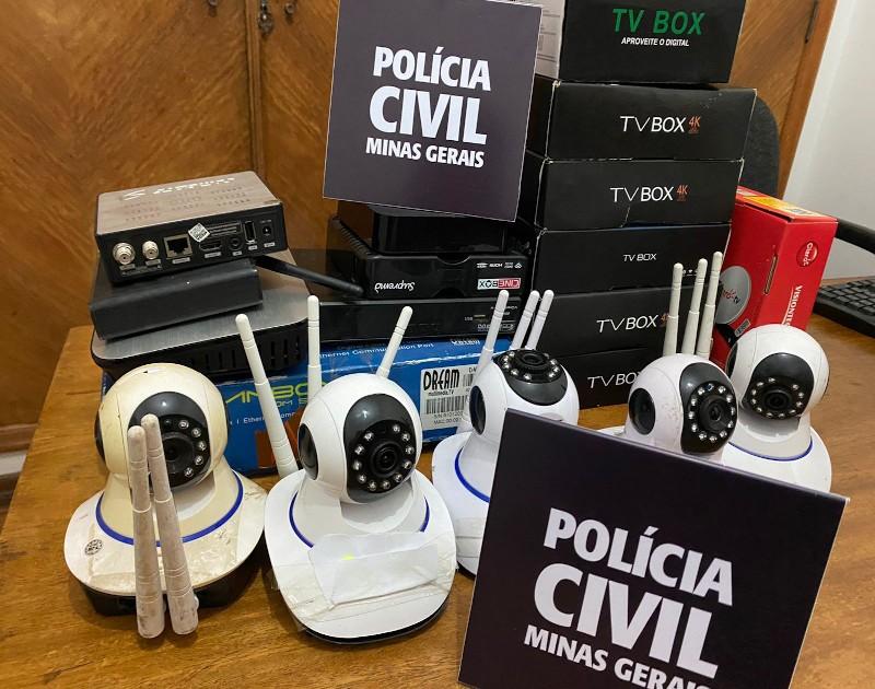Homem é preso suspeito de instalar câmeras para filmar mulheres em Santos Dumont
