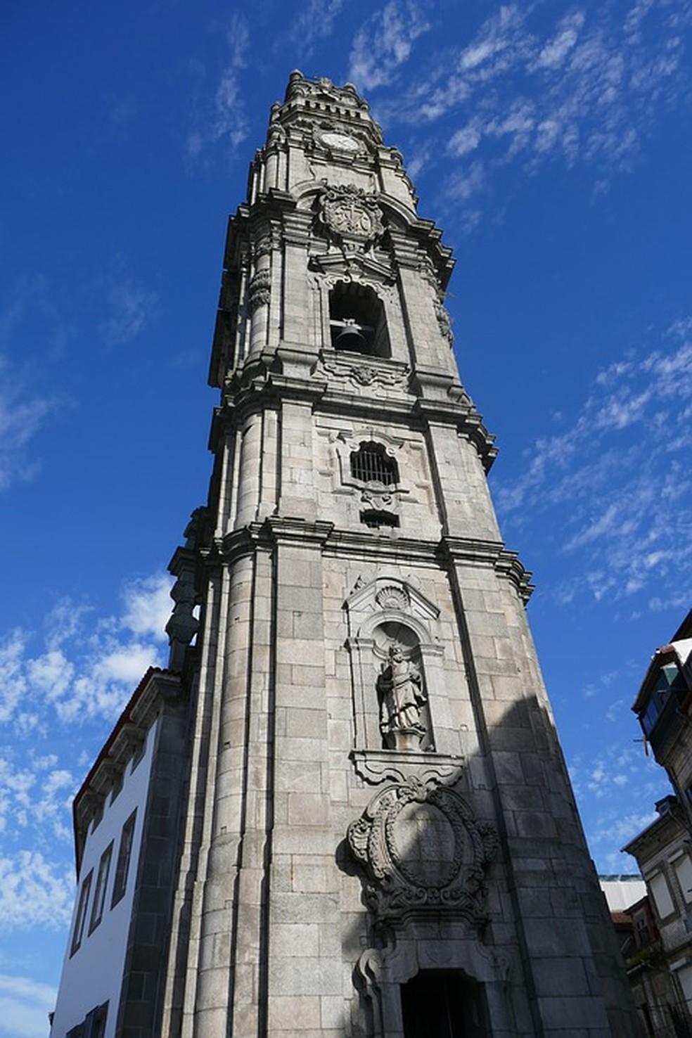 A Torre dos Clérigos no Porto é um dos pontos mais altos da cidade, de onde se tem uma vista incrível — Foto: Pixabay