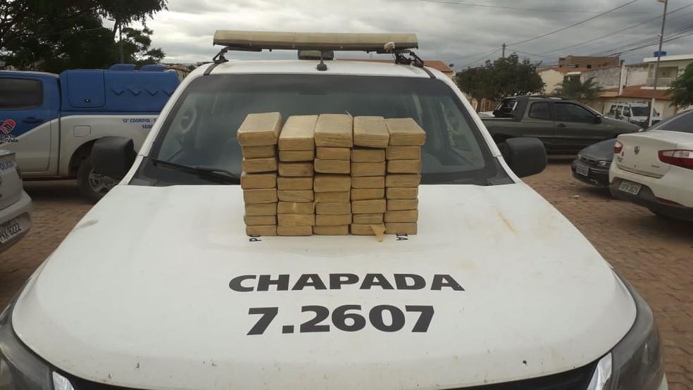 Tabletes de maconha encontrado em sítio na região da Chapada Diamantina, na Bahia — Foto: Divulgação/SSP-BA