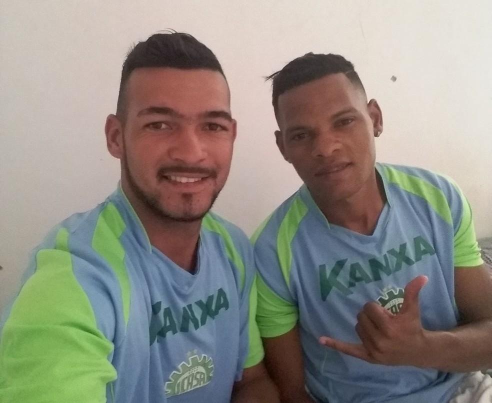 Testinha ao lado de Victor Salvador. Dupla atuou no Piauí no Campeonato Estadual   (Foto: Arquivo Pessoal/Testinha)
