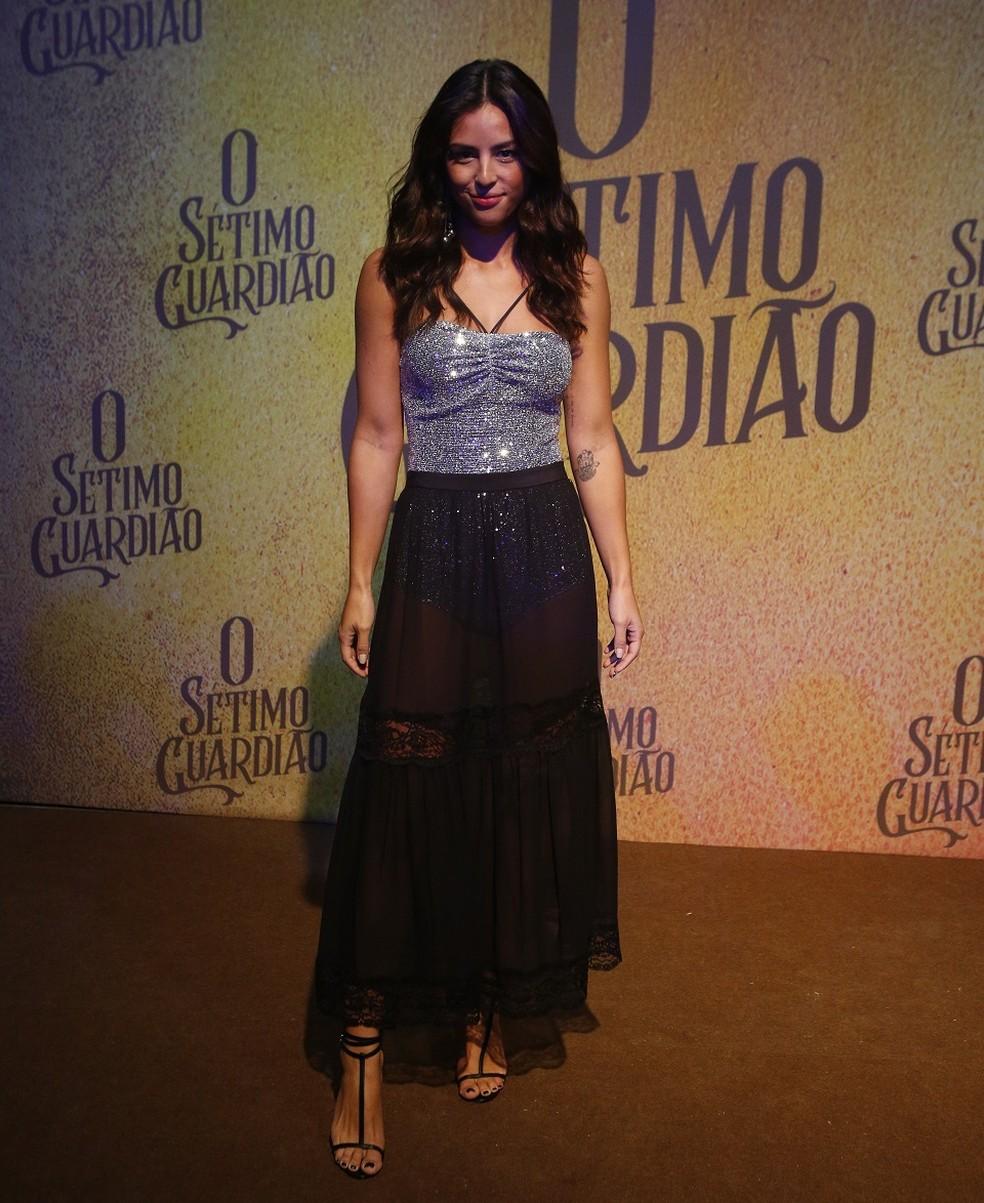 Yanna Lavigne vive Laura, filha de Olavo (Tony Ramos), e noiva de Gabriel (Bruno Gagliasso) — Foto: Fabiano Battaglin/Gshow