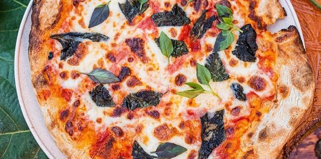 Bosque Bar: a pizza Salsiccia