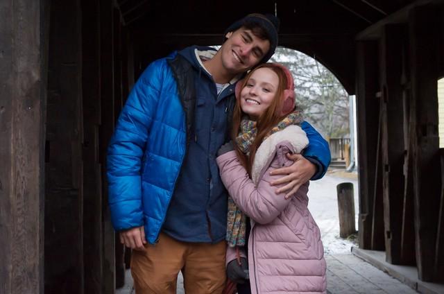 Bruno Montaleone e Larissa Manoela em Nova York, Estados Unidos (Foto: Divulgação)