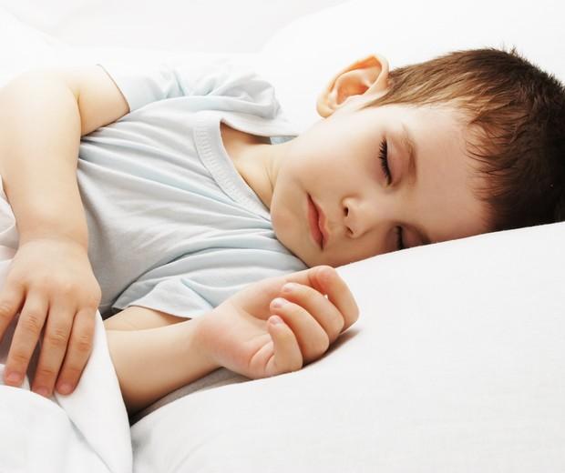 menino; dormindo; criança; sono; cama (Foto: Thinkstock)