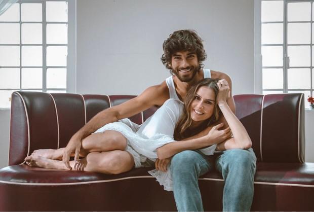 Deborah Secco e Hugo Moura (Foto: Elektra/Divulgação)