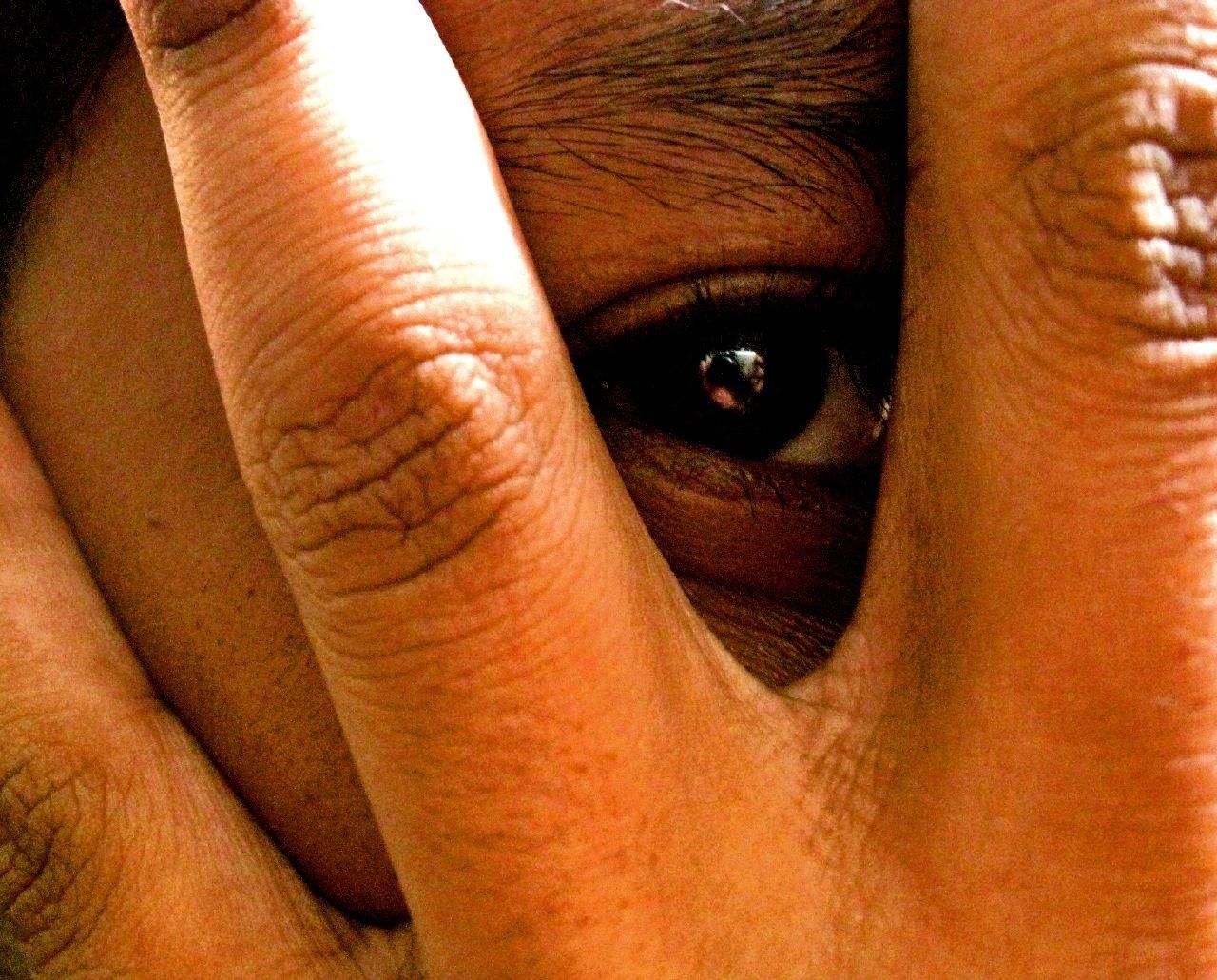 vergonha (Foto: Flickr/nasrul ekram)