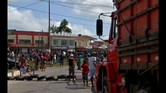 Moradores de Ananindeua protestam contra falta de saneamento