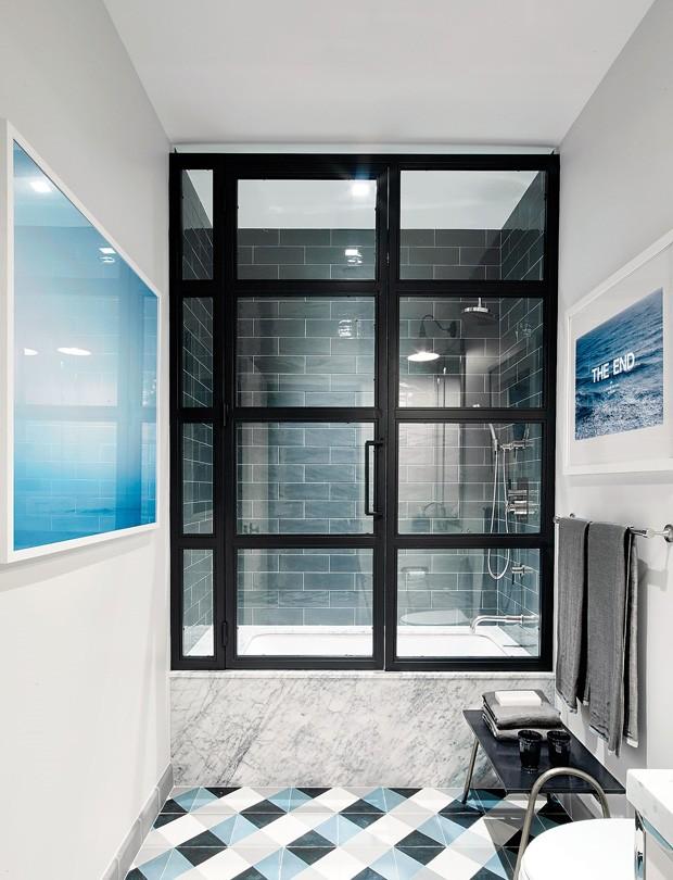 Chuveiros modernos: 6 banheiros com áreas molhadas impecáveis (Foto: Reprodução)