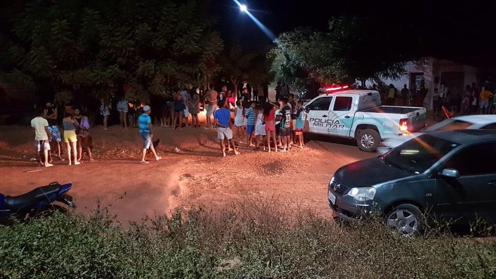 Polícia fez buscas pela suspeita em Miguel Alves — Foto: Divulgação/PM