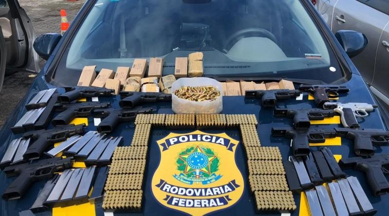Homem é preso em Salvador após ser flagrado com armamento escondido em painel de carro