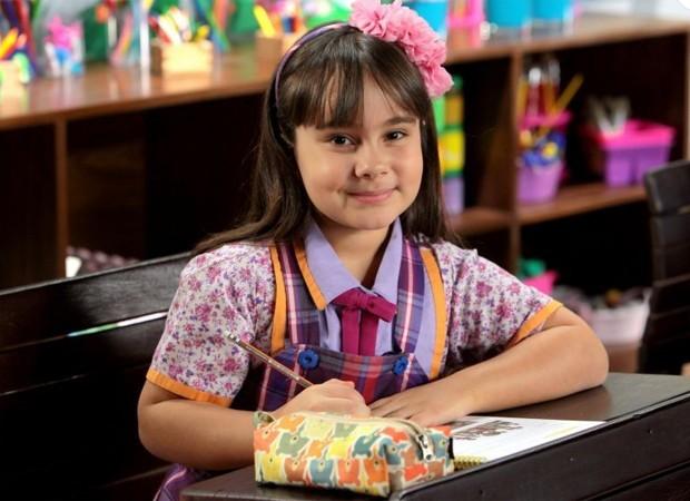Sienna Belle caracterizada como Frida, sua personagem em Carinha de Anjo (Foto: Divulgação/SBT)